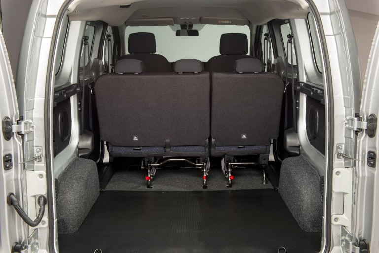 Cargo space in Nissan e-NV200 passenger version